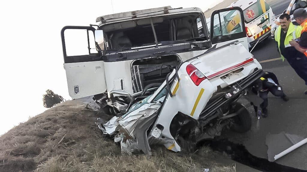 Warden N3 crash leaves one dead one injured | SA Trucker
