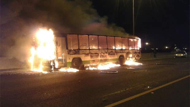 N2 NEAR AIRPORT IN CAPE TOWN CLOSED DUE TO VIOLENT PROTEST ACTION