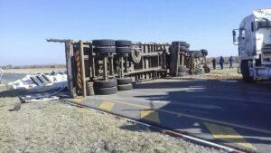 Truck vs bakkie collision leaves 3 injured