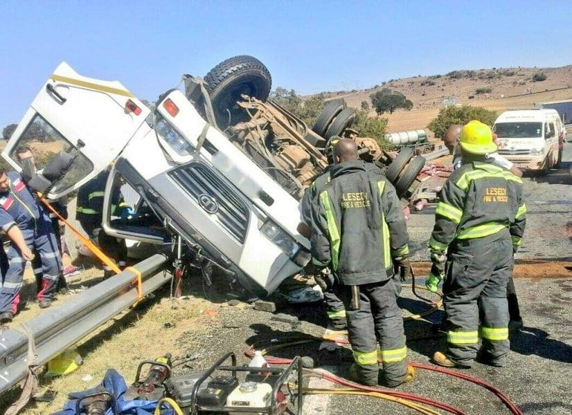 TWO PASSENGERS TRAPPED AFTER TRUCK ROLLS ON THE R23 OFFRAMP, HEIDELBERG.