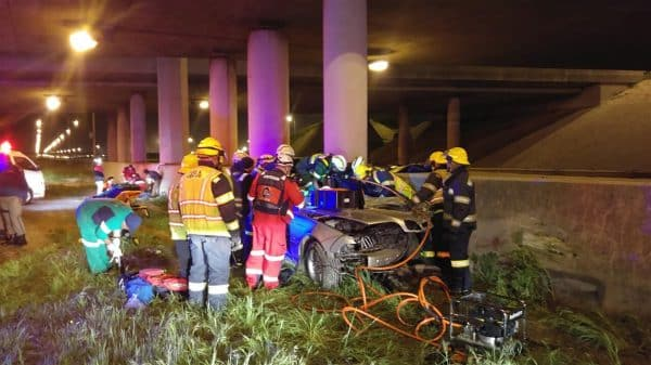 ONE KILLED, 9 INJURED IN N2 CAPE TOWN CAR COLLISION