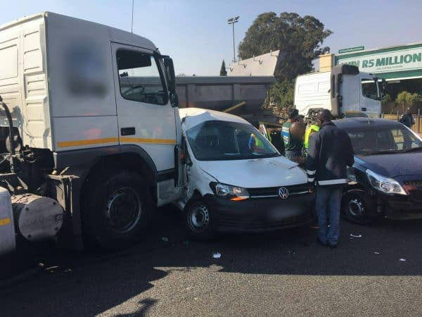 3 TRUCKS COLLIDE WITH 9 CARS IN A PILE UP COLLISION