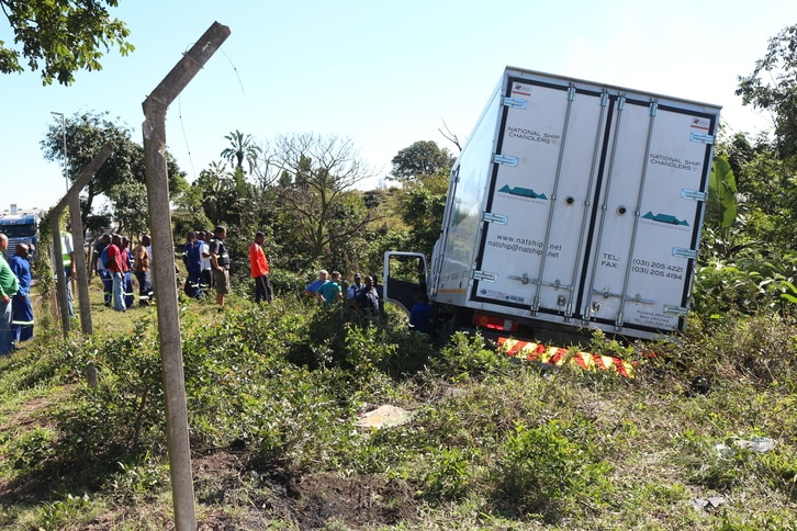 TRUCK DRIVER CRASHES DURING HEART ATTACK IN NORTHERN KZN