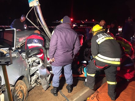 10 INJURED IN TAXI AND TWO CARS COLLISION