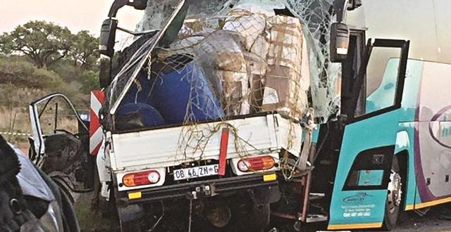 Zimbabwean bus driver dies in N1 crash