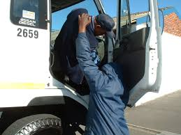 Truck driver's dramatic escape from daring female hijackers