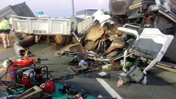 Trucker dies in Kempton Park R21 fatal truck crash