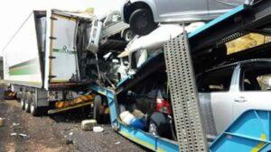 PICS: Truck driver killed in Belabela fatal truck crash