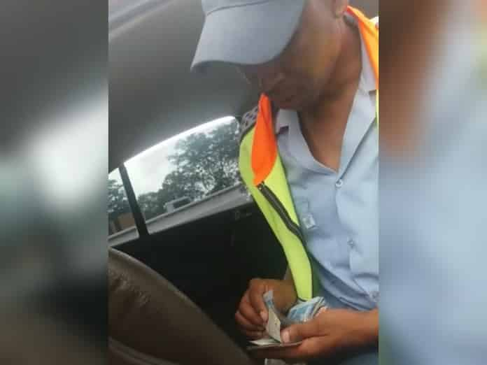 WATCH | Traffic officer in viral bribery video resigns