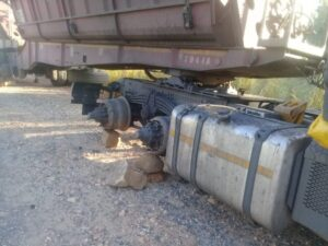 Robbers seriously injure trucker, steal 23 tyres from his truck in Witbank