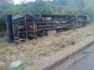 Driver investigated after bus overturns in Tzaneen, injuring 21 pupils