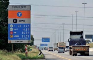 Drivers set to be fined R500 for passing e-toll gantry without paying
