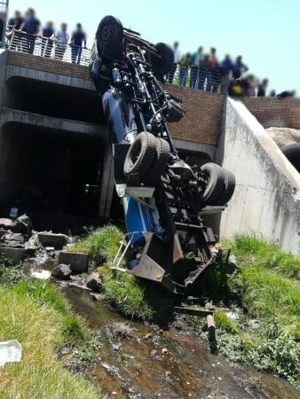 Watch   Driver ejected from truck in Joburg crash