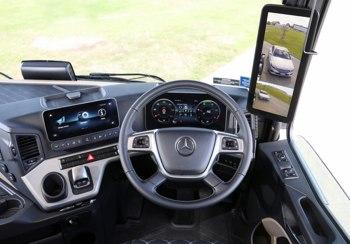 Mercedes-Benz Actros LCD
