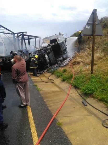 swellendam truck crash
