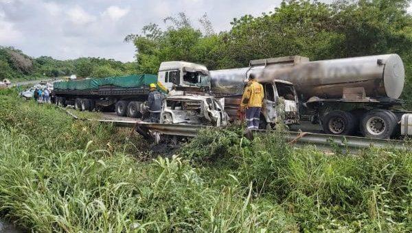 Tanker driver arrested after horror Durban M7 crash