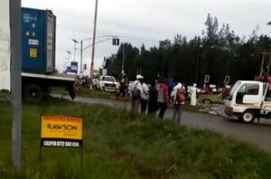 10 people feared dead after truck collides with bakkie
