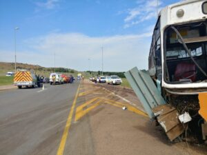 One dead, four injured in Bronkhorstspruit accident between bus and car