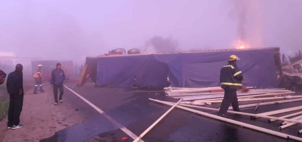 Two killed after two trucks collide head-on on N3 near Howick