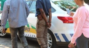 Tshwane metro cop arrested for demanding a R400 bribe