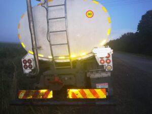 Watch: Hawks pounce on suspects stealing diesel from Transnet pipeline in Delmas