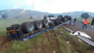 Watch: Durban trucker seriously injured in horrific R59 accident