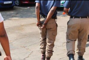 6 traffic officers arrested after allegedly taking bribe from motorist