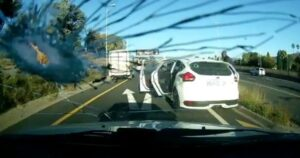 Watch: Armed guards exchange fire with gunmen during Bedfordview hijacking