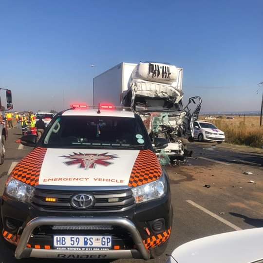 Woman killed, two others injured in a two-truck accident in Boksburg