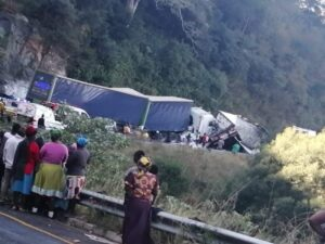 truck with brake failure crashes into looters