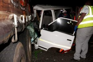 14 injured as taxi collides into stationery truck in KZN