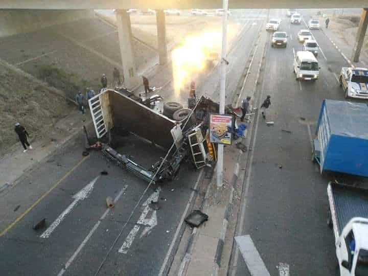 Truck accident r59