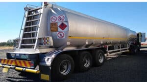 South African trucker flees after he and two others steal 28 000l of diesel in Zim