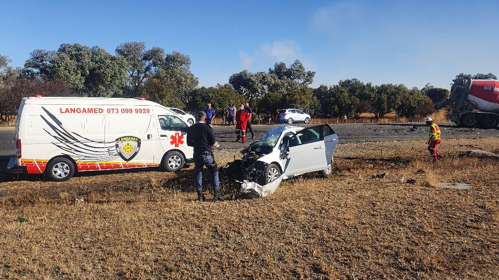 Two die in Polo and cement truck accident in Secunda
