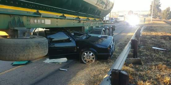 Motorist entrapped after serious crash with truck on N1, Johannesburg