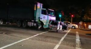 Watch: Truck driver falls to his death while trying to stop runaway truck in Pinetown