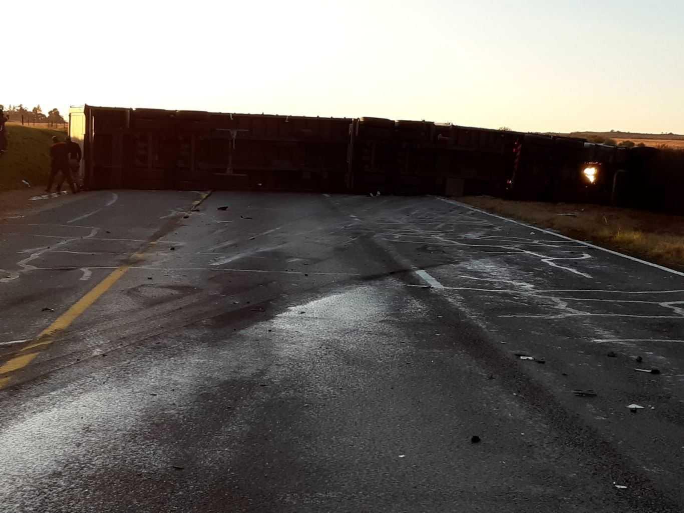 N3 Heidelberg truck and car crash leaves both drivers critically injured