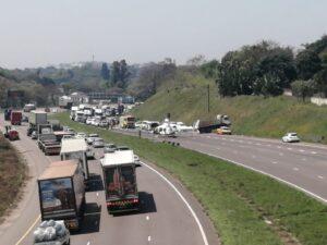 Video: N3 closed following serious truck and car crash in Durban