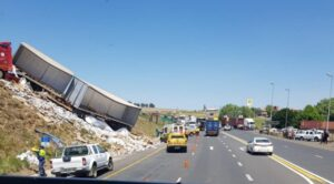 Watch: Truck climbs hill after crash on N3 at Montrose