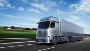 Mercedes-Benz eActros LongHaul
