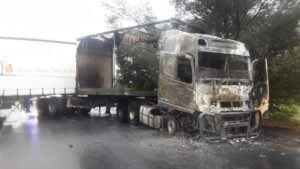Six trucks burnt in two separate attacks in Alrode