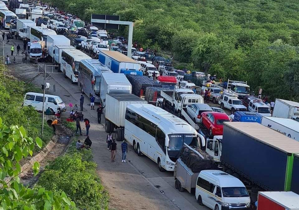 4 truck drivers die while waiting to cross the Beitbridge border post