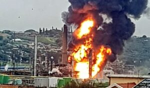 fire at engen refinery durban