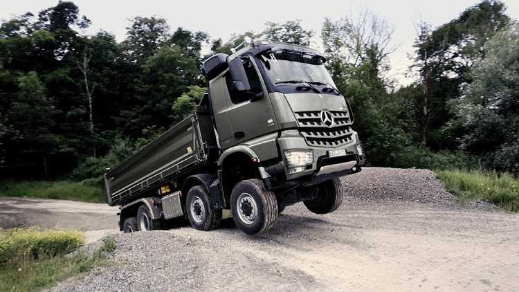 Daimler trucks fined $30m for delayed truck recalls