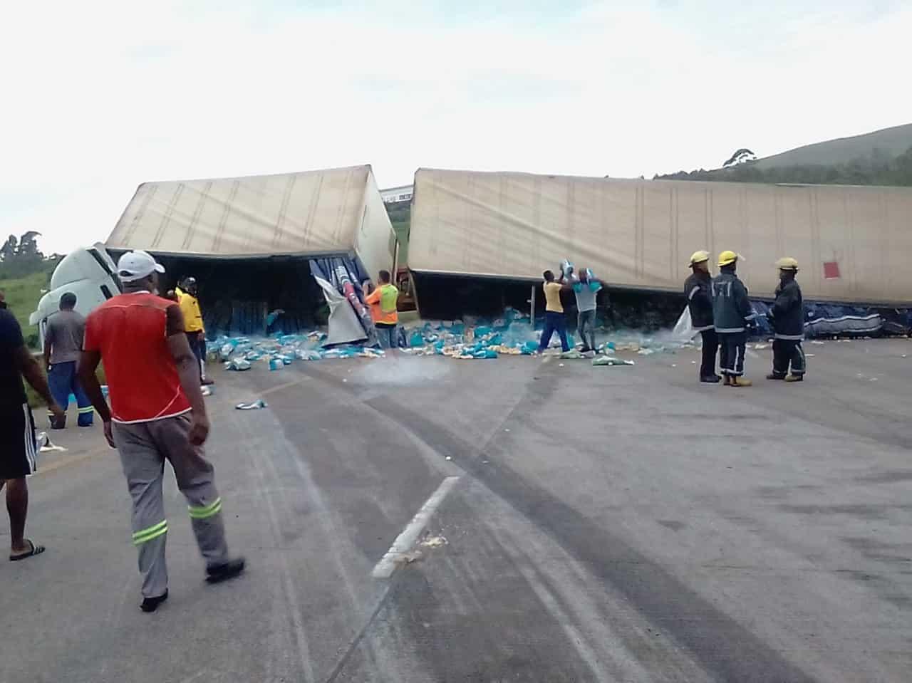 Watch: Truck overturns blocking off the N3 at Cato Ridge