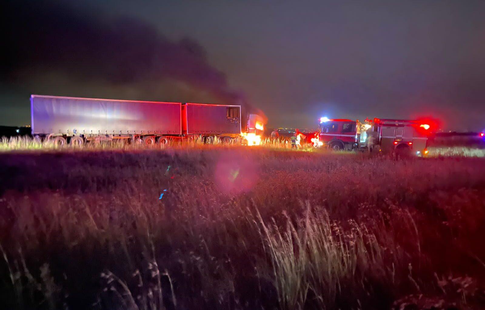 Trucks burned on R59
