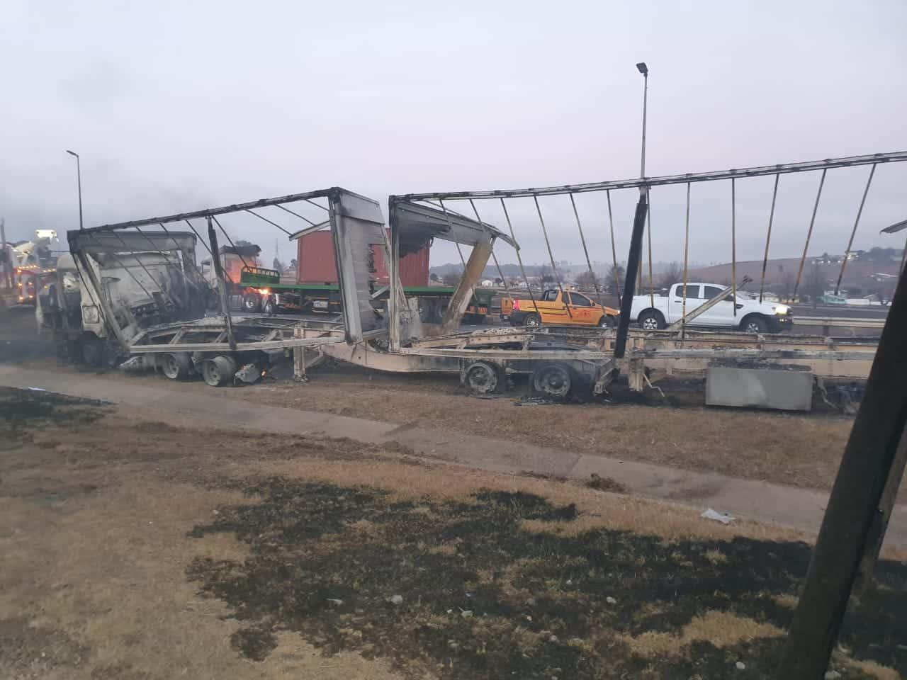 33 trucks burned in kzn