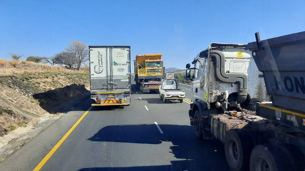28 top tips for staying safe as long-distance truck drivers