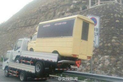 china-three-trucks.jpg
